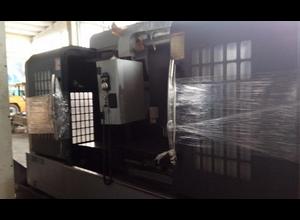 Takuma JMV - 1300 Bearbeitungszentrum Vertikal