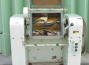 Used LINDEN K II 35 Candy machine Bubble Gum kneader