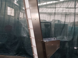 Cleated Feeder Elevator for Bottles used