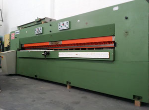 Monguzzi TRA 4000 Guillotine for veneer