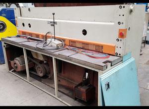 Strojáreň Piesok NTE 2500/4 B hydraulic shear