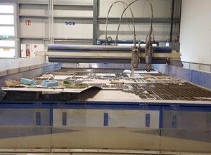 Impianto di taglio con getto ad acqua Ward - Usa R-Series 5 Axis