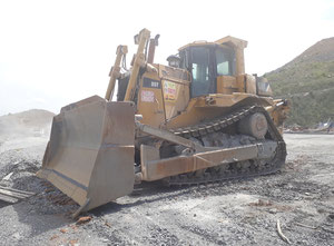 Caterpillar D9 T Excavator / Bulldozer / Loaders