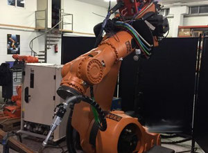 Endüstriyel robot Kuka Kr150 krc2 with cloos quinto 353 synergic power source