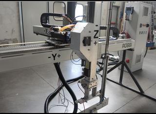 Irobi Attrezzatura speciale IML per asservimento pressa ad iniezione P81011165