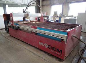 Maquina de corte con agua alta presion Omax MAXIEM 1530
