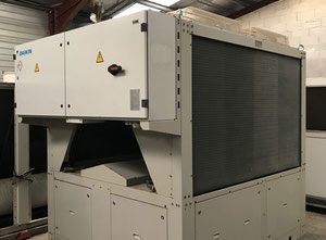DAIKIN EWAQ150 DAYN 152 kW Air cooled water chiller in excellent condition.