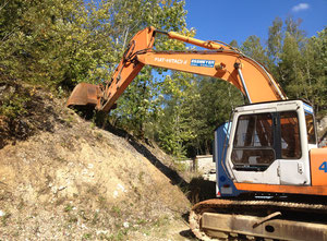 Fiat Hitachi FH 220 Excavator / Bulldozer / Loaders