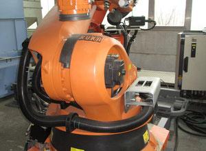 Industrialní robot KUKA KR210  / KRC2