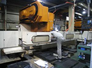 Centro di lavoro verticale Makino FNC1710-A30