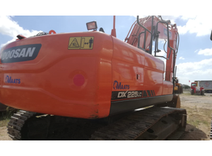 Doosan DX225LC Excavator / Bulldozer / Loaders