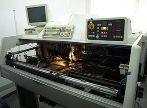 Universal Radial 6368D Pick-and-place machine