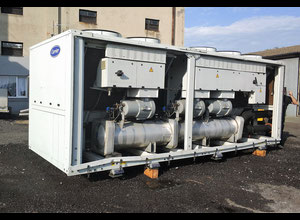Air-cooled chiller Carrier 30GX 745 kW