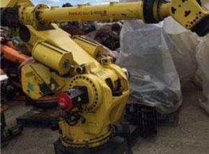 Fanuc S-900iB 220L Industrial Robot