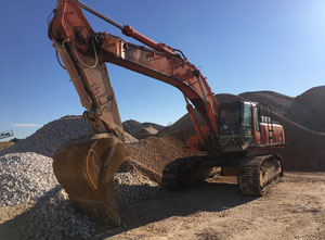 Hitachi ZX460 Excavator / Bulldozer / Loaders