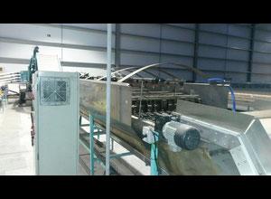 Kirschensattelkalibrator von 12 Edelstahlrollen mit exzentrischen Wasserabweichungen. Pumpen mit Reinigungsfilter recyceln.