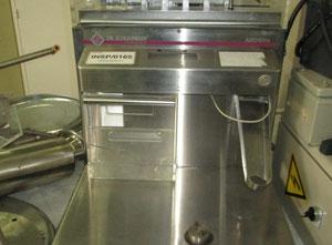 Farmaceutický / chemický stroj Fette Autotester 4