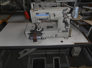 Automate de couture Brother FD4-B271