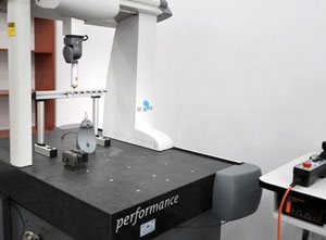 hexagon metrology global performance 050705 Profile projector