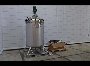 T&C Stainless 1200L Liquid mixer