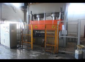 Tecnologie Industriali PVC 1000 Spritzgießmaschine