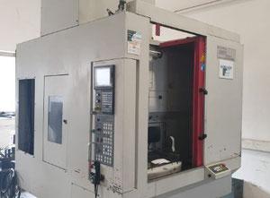 Akira Seiki RMV-700 APC Bearbeitungszentrum Vertikal