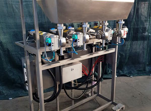 Plnící stroj - různé zařízení Riggs Autopack 1000