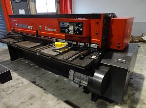 Amada M-2560 CNC Schere