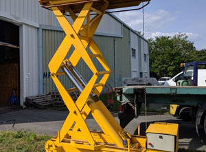 Elevator table 3M Telescopic handler