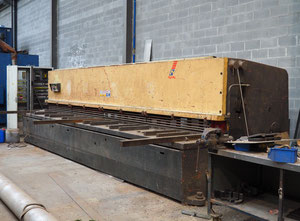 Cisaille guillotine hydraulique Ajial 6000x10