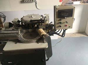 Double twist wrapping machine