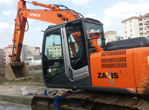 Hitachi Zaxis130 Excavator / Bulldozer / Loaders