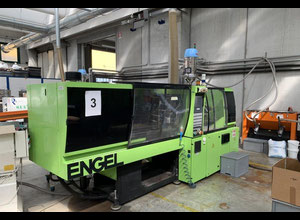 Engel VICTORY 330/110 Tech Injection moulding machine