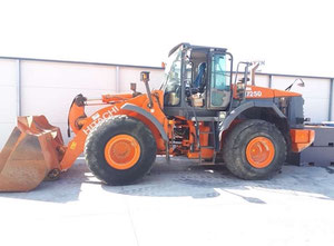 Hitachi ZW250 Loaders