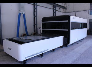 NEW 2000W IPG/Raytools Optics, 3015 fiber laser cutting machine, full enclosure, exchange table
