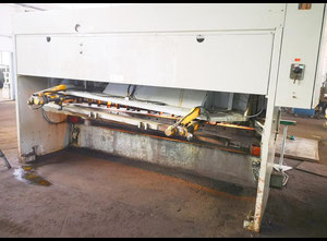 Strojarne Piesok CNTA 3150/16A CNC Schere