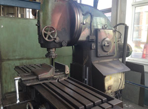 Dikey freze makinesi TOS FA5BV