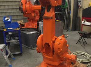 Průmyslový robot IRB 2400/10 S4CPlus M2000