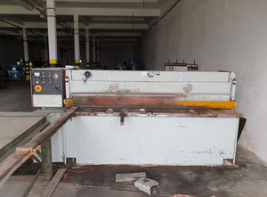 Cisaille guillotine hydraulique Piesok NTC 2500/4
