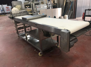 Rondo 850mm cutting table