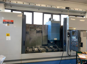 Used Mazak VTC 200C Machining center - vertical