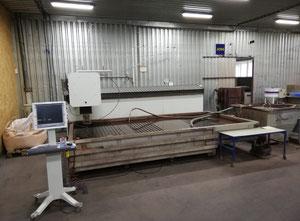 Impianto di taglio con getto ad acqua Flow IFB3020
