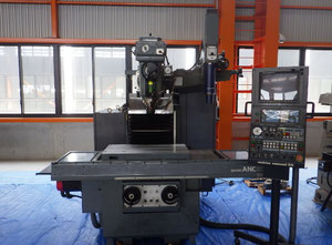 Makino AGⅢUNC-85 cnc vertical milling machine