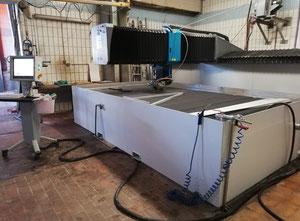 Impianto di taglio con getto ad acqua Flow Mach 3b