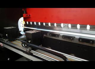 Amada HFBO 220t x 3100 CNC 8 axis P00130091