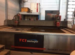 Impianto di taglio con getto ad acqua Waterjet EM-1-2030-2