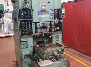 Sykes V-10 Zahnrad-Abwälzfräsmaschinen