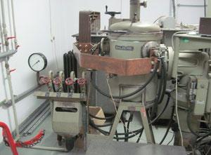 Four industriel Balzers MOV 3