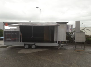 Mobile Blasting Cabinet - P00402063