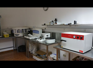 Equipment for tissue processing and cutting (pathology):